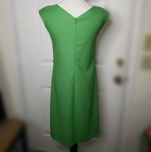 Hugo Boss Dresses - HUGO BOSS V-NECK GREEN VIRGIN WOOL DRESS SZ 2